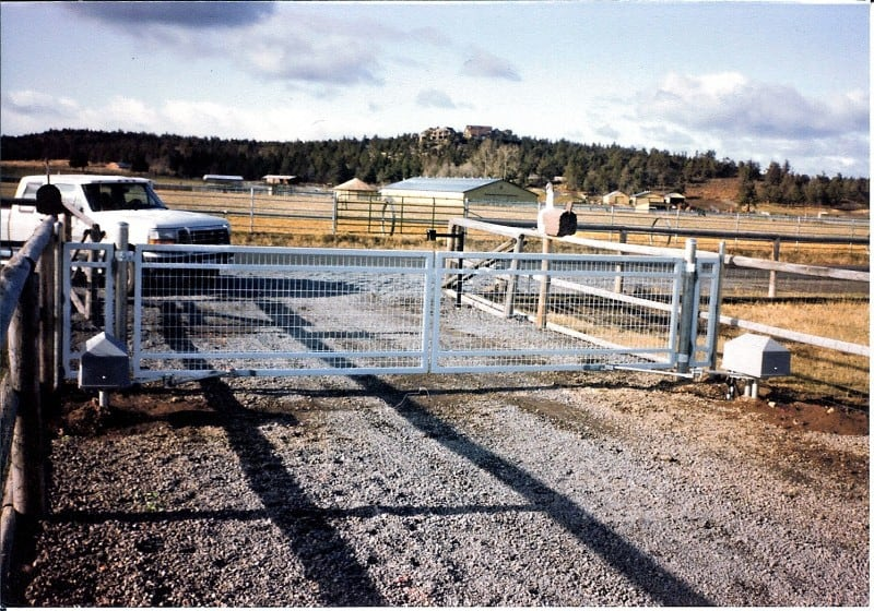 Custom Gate 21 - Automated Steel Farm Gate