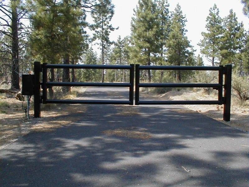 Custom Gate 20 - Black Pipe Entry Gate