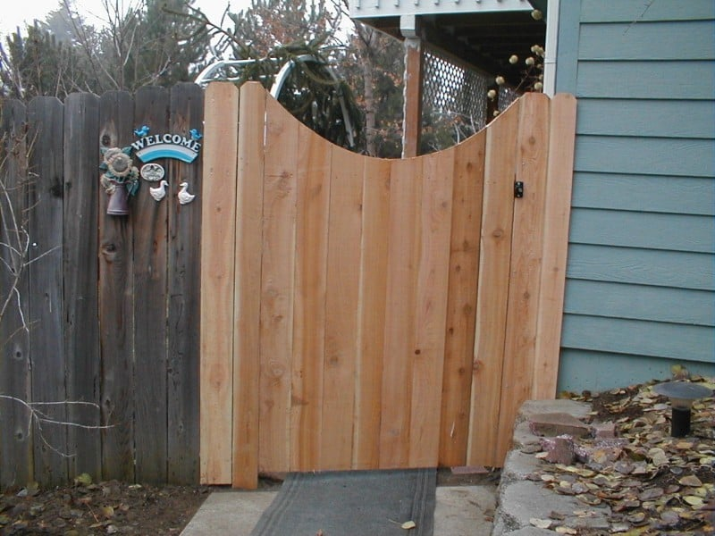 Scallop Top Cedar Gate-