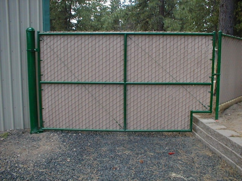 Chainlink Gate Tan wire, Tan Slats, Green Frame
